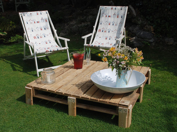 Patio Table Pallet